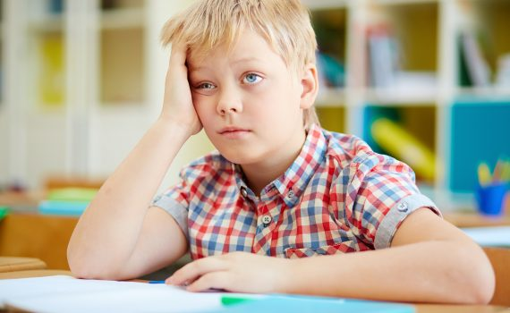 Har dit barn det svært i skolen
